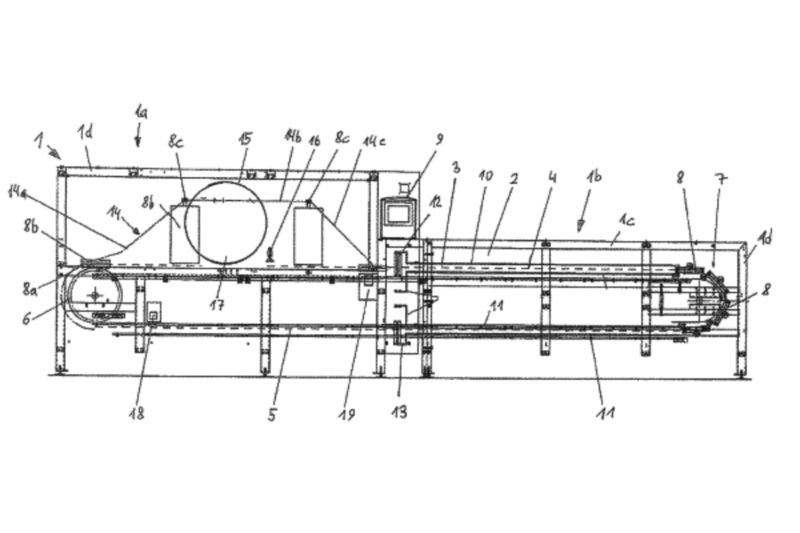 To bake crisp and brittle products, this oven uses a continuous chain of baking tongs that open and close and can be locked when closed. The chain circulates in the baking oven, and the tongs comprise baking moulds for shaping products. A rotary support removes the baked dough from the open tongs in the delivery station.