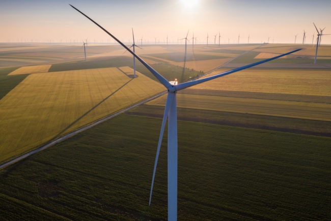 Sustainable wind generator over agricultural fields