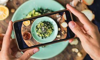Foodphonepic_lead