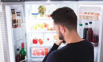 Lookinginfridge_lead