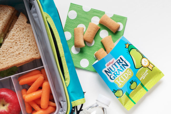 Kellogg's Nutri-Grain Kids Awesome Apple with lunchbox