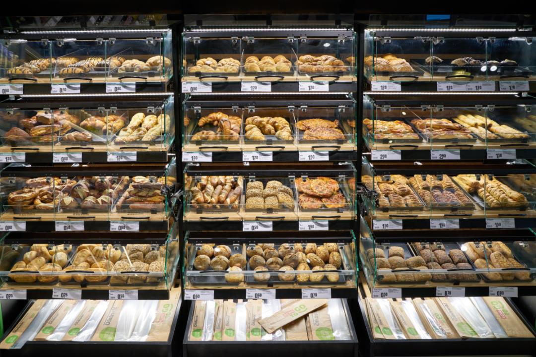 C-store donut display