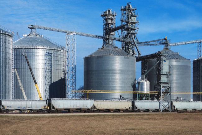 Grain rail transport