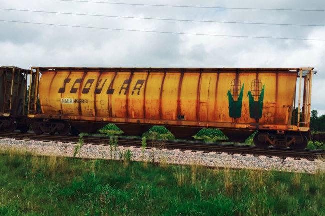 Scoular rail car