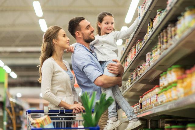 Familygroceryshopping_lead